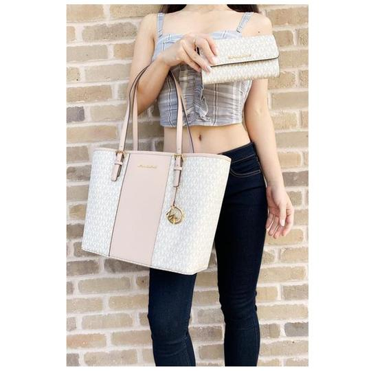 Michael Kors Wallet Signature Ballet Tote in Pink Image 3