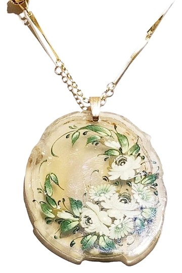 Preload https://img-static.tradesy.com/item/25999714/gold-hand-painted-glass-pendant-necklace-0-2-540-540.jpg