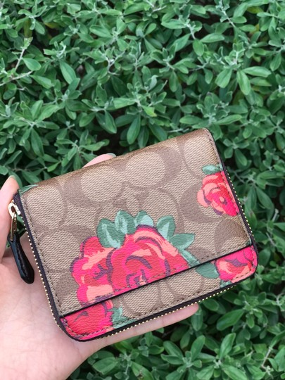 Coach COACH F38704 Signature Jdmbo Floral Small zip around Wallet Khaki Image 2
