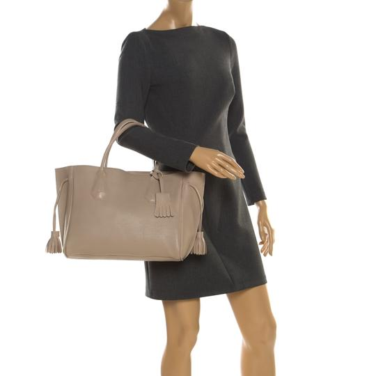 Longchamp Leather Tote in Beige Image 2
