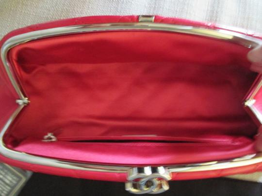 Chanel red Clutch Image 9