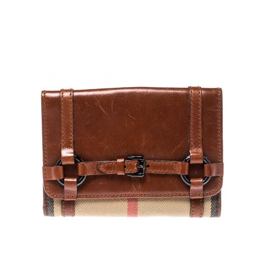 Preload https://img-static.tradesy.com/item/26000787/burberry-brown-brownbeige-house-check-canvas-and-leather-flap-compact-wallet-0-0-540-540.jpg