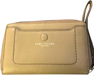 Marc Jacobs Marc Jacobs zip around