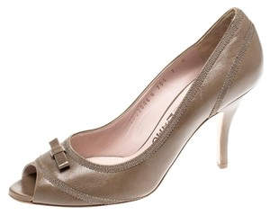 Salvatore Ferragamo Leather Detail Peep Toe Green Pumps
