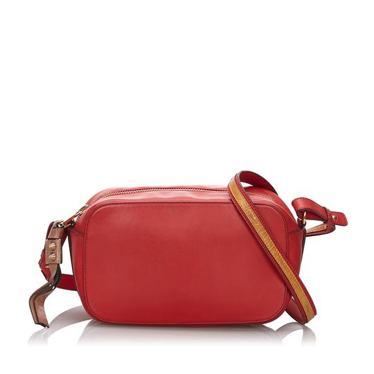 Preload https://img-static.tradesy.com/item/26001434/chloe-with-brown-sam-france-pouch-small-red-leather-cross-body-bag-0-0-540-540.jpg