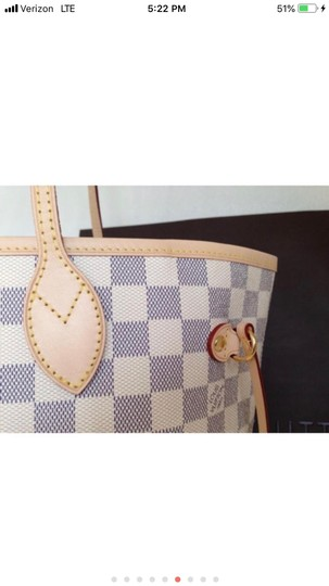 Louis Vuitton Monogram Leather Luxury European Limited Edition Tote in white Image 4