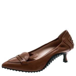 Tod's Leather Pointed Toe Brown Pumps