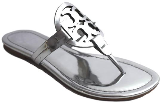 Preload https://img-static.tradesy.com/item/26002017/tory-burch-silver-sandals-size-us-8-regular-m-b-0-1-540-540.jpg
