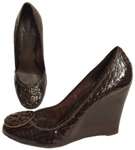 Tory Burch Wedge Patent Leather Alligator Crocodile Designer Brown Pumps
