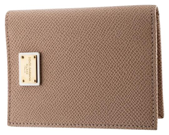 Preload https://img-static.tradesy.com/item/26005134/dolce-and-gabbana-beige-dolce-and-gabbana-leather-bifold-card-holder-wallet-0-2-540-540.jpg