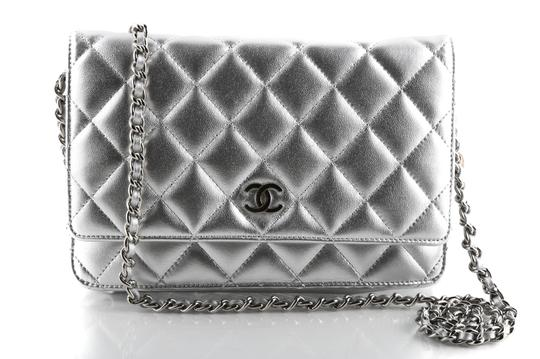 Preload https://img-static.tradesy.com/item/26005303/chanel-wallet-on-chain-quilted-woc-graysilver-lambskin-leather-cross-body-bag-0-0-540-540.jpg