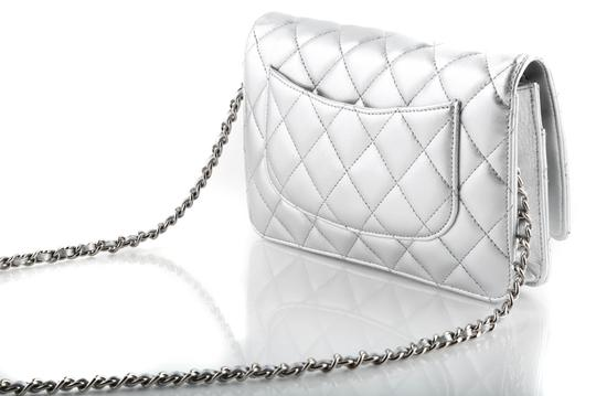 Chanel Cross Body Bag Image 2