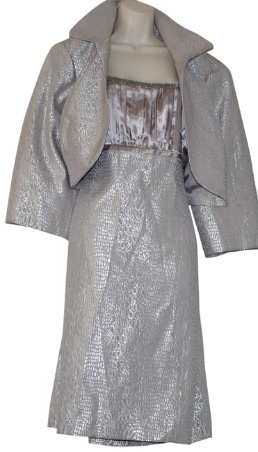 Item - Silver Occasion Jacket Wedding Or Outing Short Formal Dress Size 22 (Plus 2x)