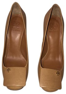 Tory Burch Tan Pumps