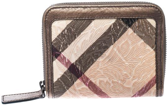 Preload https://img-static.tradesy.com/item/26005915/burberry-beige-floral-embossed-nova-check-pvc-and-leather-zip-around-compact-wallet-0-3-540-540.jpg