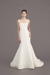 Amsale Ivory Mave Fit and Flare Gown Formal Wedding Dress Size 10 (M)