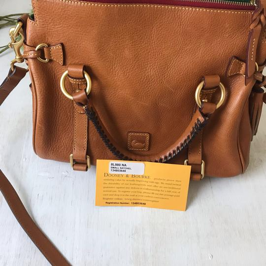 Dooney & Bourke Satchel in brown Image 6