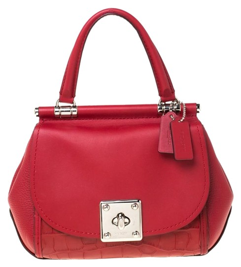 Preload https://img-static.tradesy.com/item/26007401/coach-top-handle-bag-silver-tone-red-leather-clutch-0-3-540-540.jpg