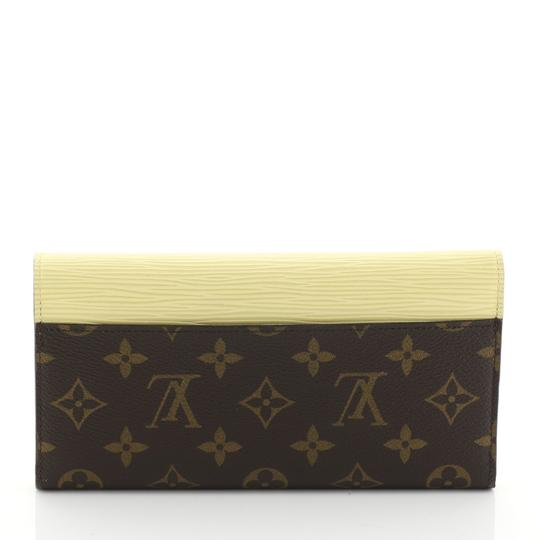 Louis Vuitton Marie-lou Wallet Wristlet in brown Image 2
