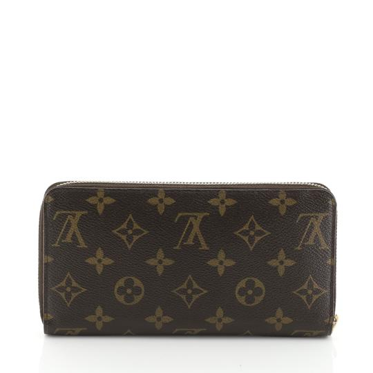 Louis Vuitton Zippy Wallet Monogram Wristlet in brown Image 2