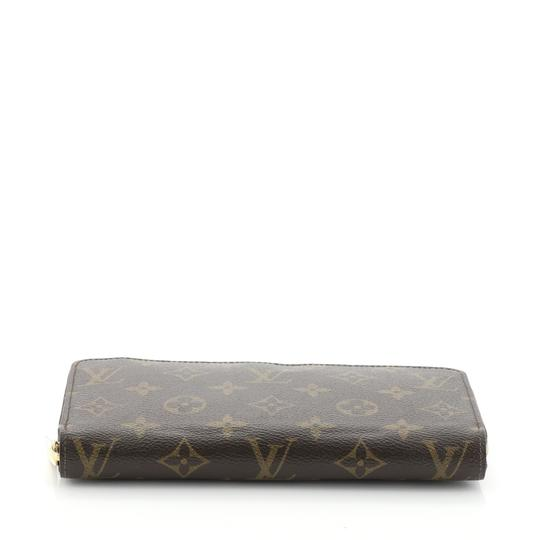 Louis Vuitton Zippy Wallet Monogram Wristlet in brown Image 3