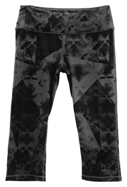 Item - Gray and Black Cropped Abstract Pattern Workout Leggings Activewear Bottoms Size 4 (S)