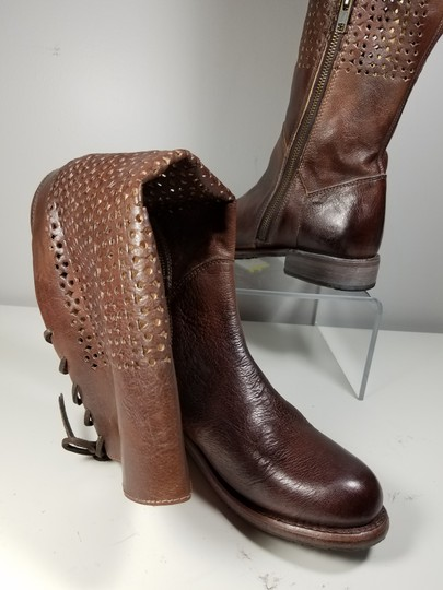 Bed|Stü Tan Rustic Boots Image 1