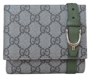 Gucci Gucci GG Supreme Monogram Canvas and Leather Compact Wallet