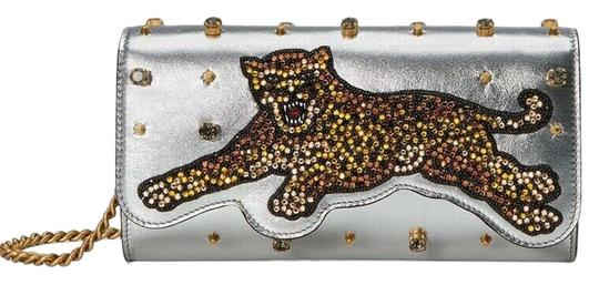 Preload https://img-static.tradesy.com/item/26011007/gucci-chain-wallet-broadway-crystal-tiger-silver-leather-cross-body-bag-0-3-540-540.jpg