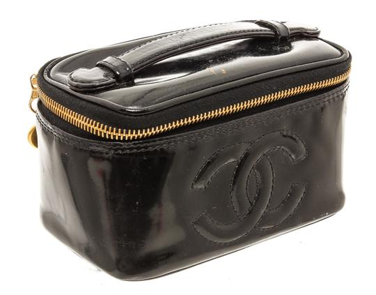 Chanel Chanel Black Patent Leather CC Vanity Case Image 1