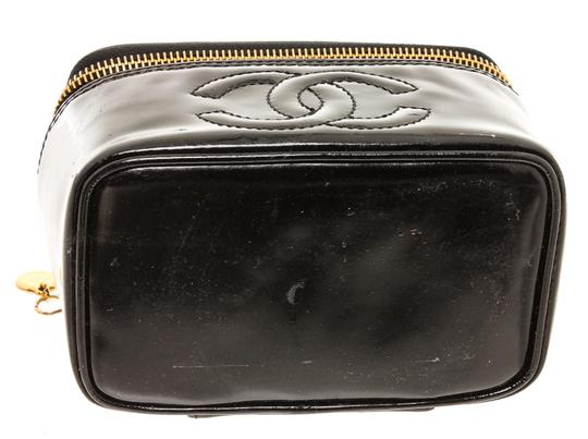 Chanel Chanel Black Patent Leather CC Vanity Case Image 3