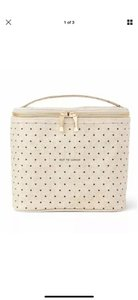 Kate Spade Brown-bagging it has never looked so gourmet! This lunch tote's coated-linen cover is complemented by an insulated interior. The handle makes it practical; the gold bow zipper pull ever-so pretty. SIZE 7