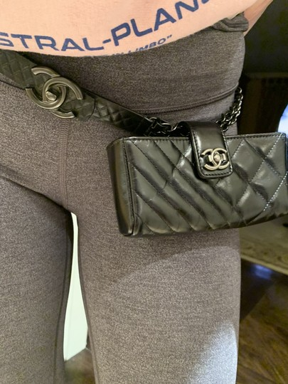 Chanel Black Quilted Lambskin Leather and Gunmetal Chain Image 10