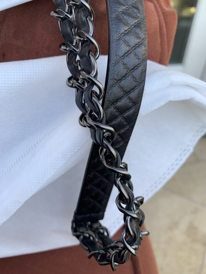 Chanel Black Quilted Lambskin Leather and Gunmetal Chain Image 5