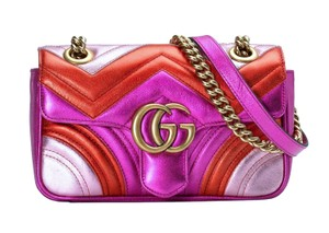 Gucci Leather Logo Chevron Cross Body Bag