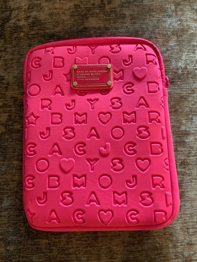 Marc by Marc Jacobs Case Image 3