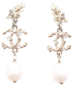 Chanel Chanel Gold CC White Flower Leaves Long Piercing Earrings