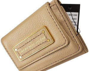 Marc by Marc Jacobs tri-fold smooth tan leather wallet with coin holder