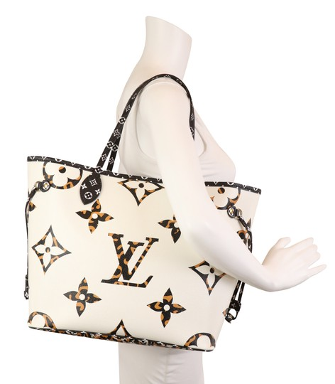 Louis Vuitton Mm Neverfull Jungle Tote in Multi Image 10
