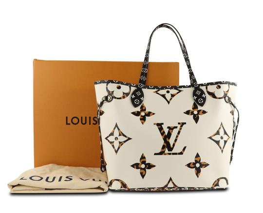 Louis Vuitton Mm Neverfull Jungle Tote in Multi Image 11