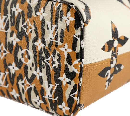 Louis Vuitton Mm Neverfull Jungle Tote in Multi Image 3