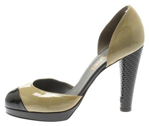 Chanel Patent Leather Leather Green Pumps