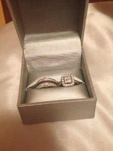 Zales Beautiful Ring Set