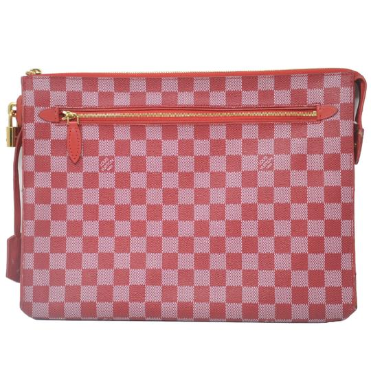Preload https://img-static.tradesy.com/item/26020773/louis-vuitton-red-damier-couleurs-canvas-clutch-0-0-540-540.jpg