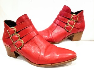 Modern Vice Buckle Pointy Toe Leather Chloe Red Boots