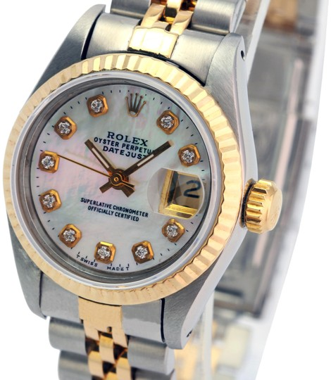 Preload https://img-static.tradesy.com/item/26021230/rolex-white-mop-lady-datejust-diamond-dial-fluted-bezel-26mm-quickset-watch-0-1-540-540.jpg