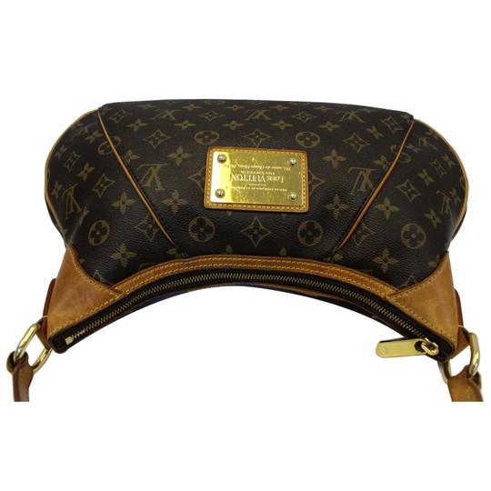 Louis Vuitton Lv Thames Pm Monogarm Canvas Shoulder Bag Image 3