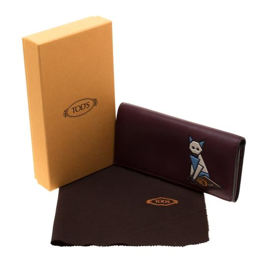 Tod's Bordeaux Leather Fox Detail Continental Wallet Image 7