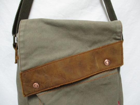 Augur Canvas Leather Crossbody brown Messenger Bag Image 4
