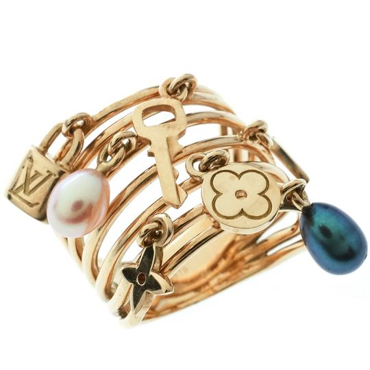 Louis Vuitton Cultured Pearl & Monogram Charm 18K Yellow Gold Cocktail Ring Size 51 Image 2